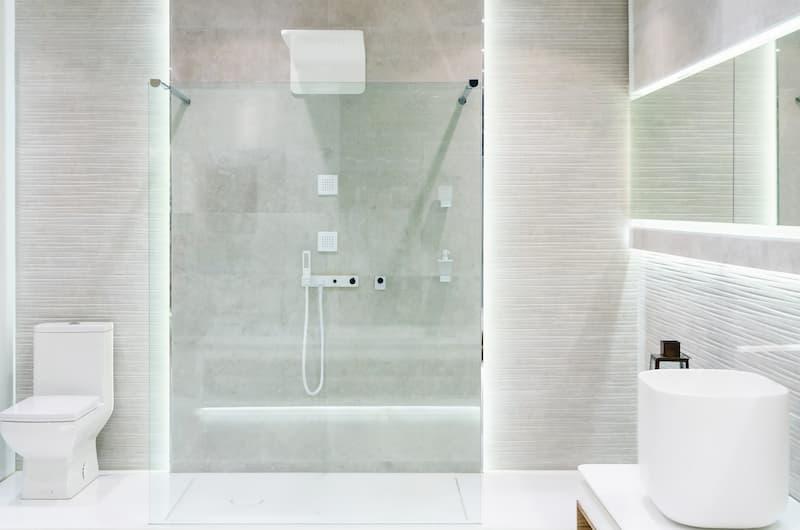 Ventajas de cambiar bañera por plato de ducha